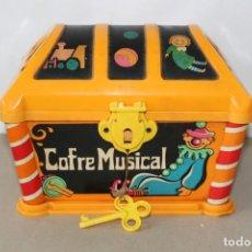 Juguetes antiguos: GEYPER COFRE MUSICAL DE CUERDA CON LLAVE - FUNCIONANDO (AÑOS 70). Lote 163713722