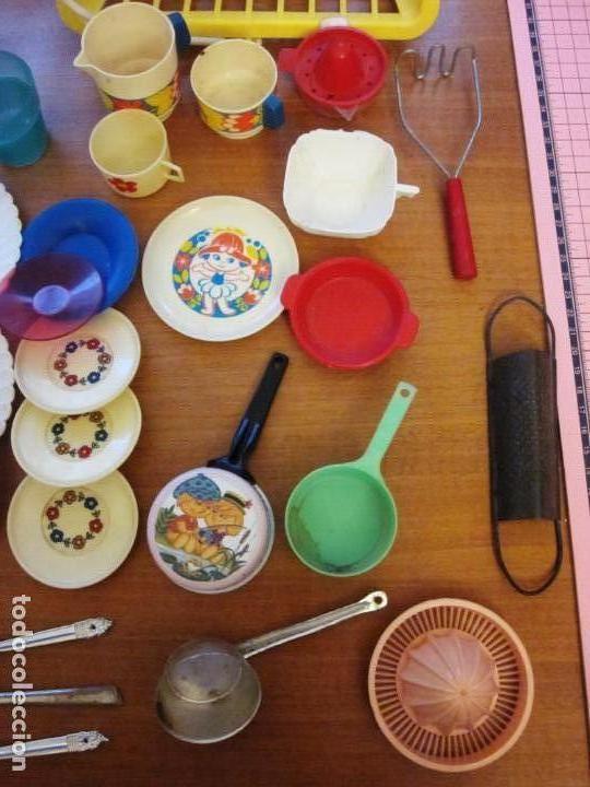 Juguetes antiguos: Antiguos accesorios de cocina, vajilla, cestas, platos... Pse y otras marcas - Foto 6 - 171104174