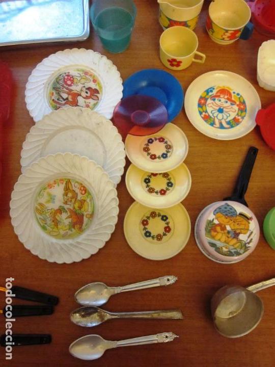 Juguetes antiguos: Antiguos accesorios de cocina, vajilla, cestas, platos... Pse y otras marcas - Foto 7 - 171104174