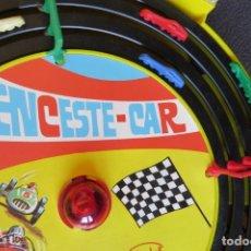 Juguetes antiguos: ENCESTE CAR - JUEGO CARRERAS - MADEL - AÑOS 60 - JUEGO DE DESTREZA EN PISTA. Lote 172887519