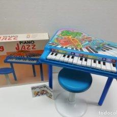 Juguetes antiguos: PIANO JAZZ GRANDE CON TABURETE REIG AÑOS 80-90-ALMACEN . Lote 173483805