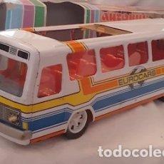 Brinquedos antigos: AUTOBUS METÁLICO EUROCARS A FRICCIÓN DE PAYVA. Lote 175253838