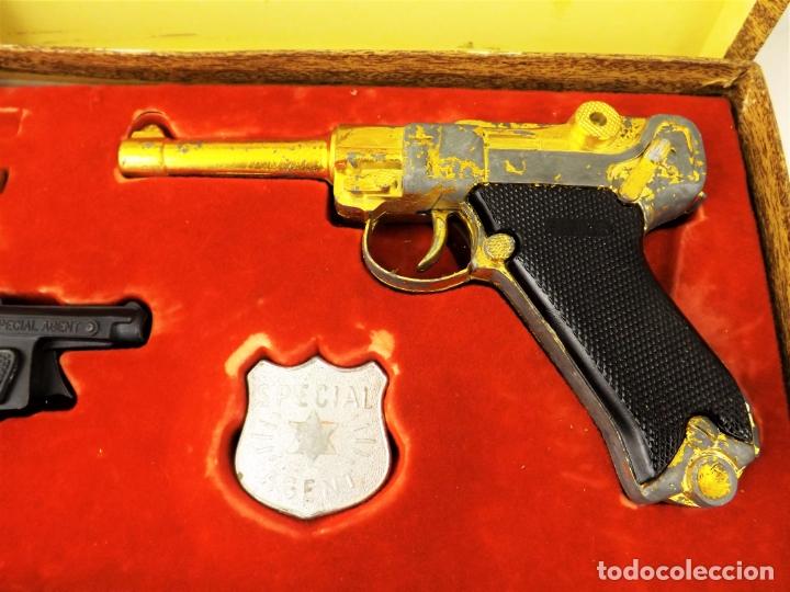 Juguetes antiguos: Sagiver conjunto Pistola Luger dorada - Foto 3 - 177266422