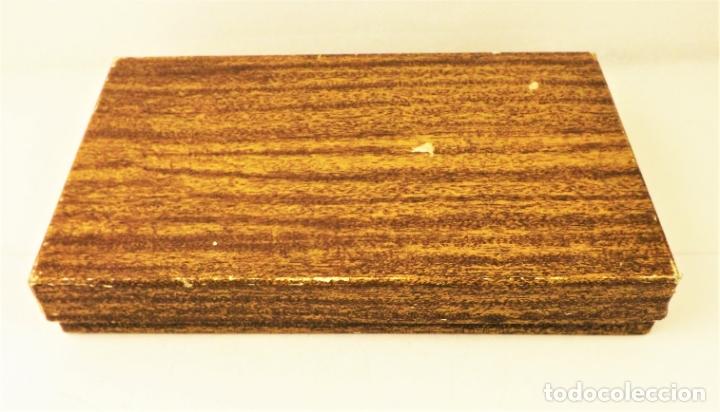 Juguetes antiguos: Sagiver conjunto Pistola Luger dorada - Foto 5 - 177266422