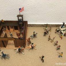 Juguetes antiguos: FUERTE COMANSI CON VAQUEROS, INDIOS, TIENDA DE CAMPANA, CABALLOS. Lote 177761732