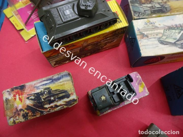 Juguetes antiguos: EKO. Gran lote de vehículos militares (muchos en caja original) y soldados de diversos países - Foto 8 - 188463581