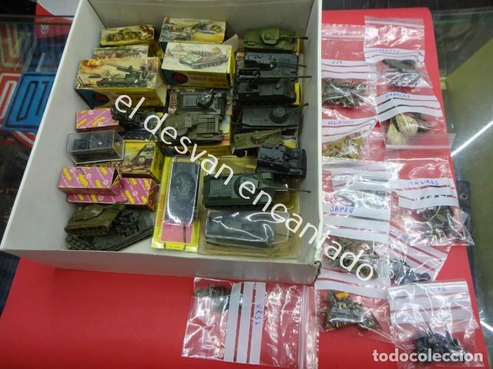 Juguetes antiguos: EKO. Gran lote de vehículos militares (muchos en caja original) y soldados de diversos países - Foto 11 - 188463581