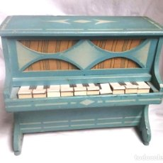 Juguetes antiguos: PIANO MADERA AÑOS 50, COMPLETO. MED. 26,50 X 15 X 23 CM. Lote 190693272