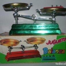 Brinquedos antigos: ANTIGUA BALANZA DE JUGUETE DE JOAL AÑOS 60 / 70 - EN CAJA Y FUNCIONANDO -. Lote 192106493