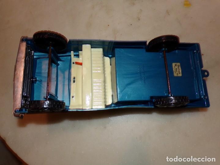 Coches Plastico 7x3cm 32 Unidades Caja 28x29x2cm