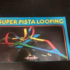 Juguetes antiguos: SUPER PISTA LOOPING DE PILEN AÑOS 70. Lote 194230778