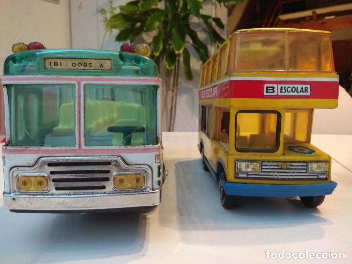 Juguetes antiguos: Lote dos autobuses chapa - Foto 8 - 194508353
