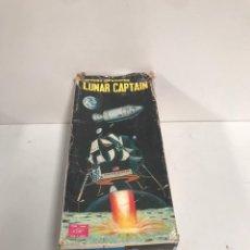 Juguetes antiguos: ANTIGUO JUGUETE ESPACIAL, SPACE TOY, LUNAR CAPTAIN EN SU CAJA ORIGINAL. Lote 194881937