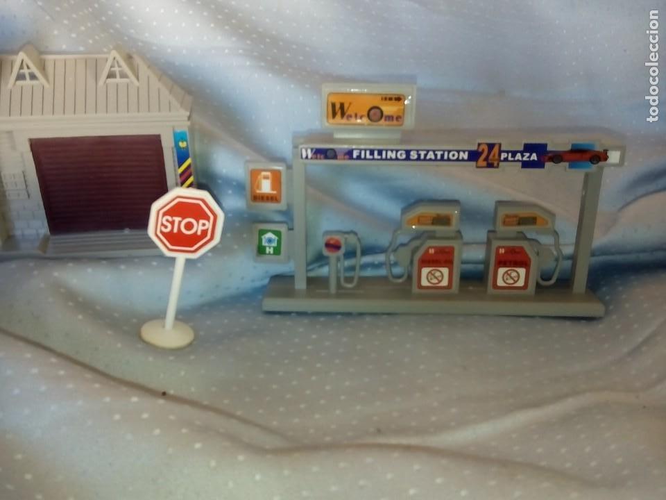 Juguetes antiguos: Casas estación de tren y gasolinera dioramas para tren o pueblo - Foto 2 - 195153958