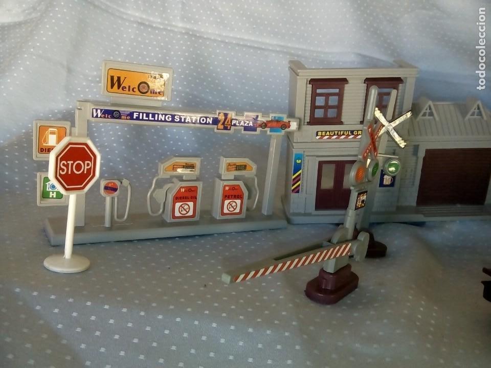 Juguetes antiguos: Casas estación de tren y gasolinera dioramas para tren o pueblo - Foto 7 - 195153958