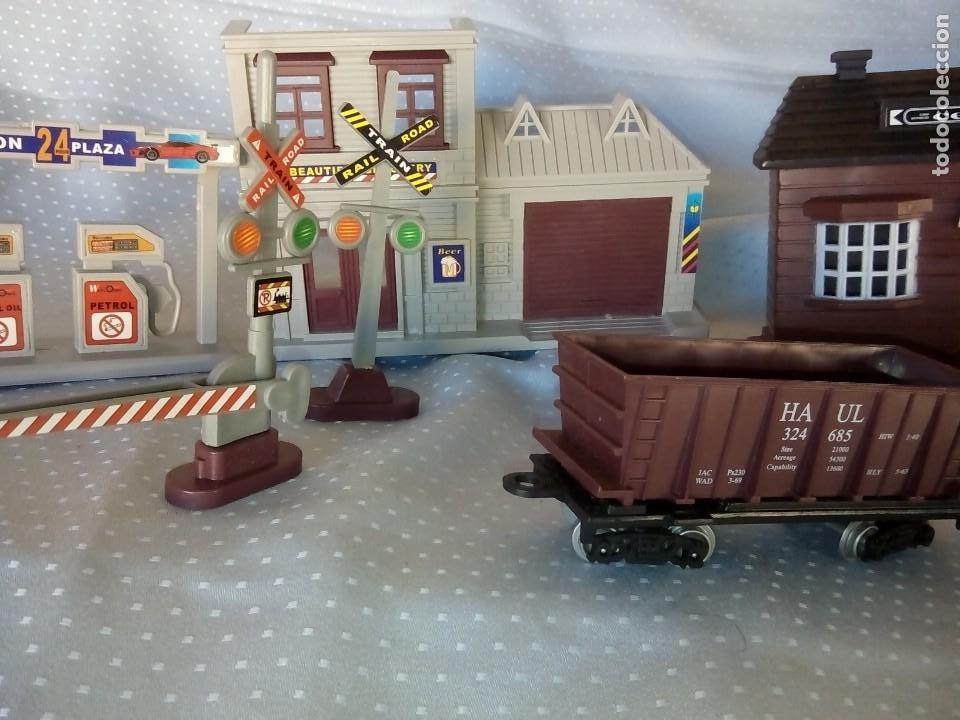Juguetes antiguos: Casas estación de tren y gasolinera dioramas para tren o pueblo - Foto 8 - 195153958
