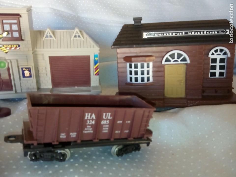 Juguetes antiguos: Casas estación de tren y gasolinera dioramas para tren o pueblo - Foto 9 - 195153958