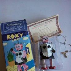 Juguetes antiguos: ROBOT ROXY DE HOJALATA A CUERDA , SCHYLLING. Lote 195497420
