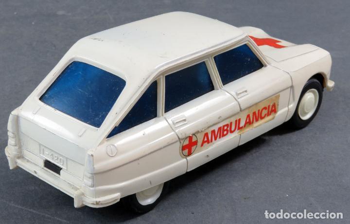 Juguetes antiguos: Citroen 8 Plásticos Albacete Ambulancia a fricción años 70 No funciona - Foto 3 - 248740105
