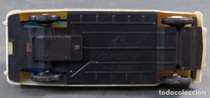 Juguetes antiguos: Citroen 8 Plásticos Albacete Ambulancia a fricción años 70 No funciona - Foto 4 - 248740105
