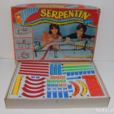 Juguetes antiguos: JUEGO SERPENTINE, EL SHOW DEL DOMINO, DOBLE, REF 533, AIRGAM, COMPLETO, MADE IN SPAIN. Lote 198398491