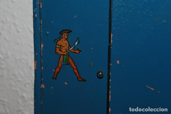 Juguetes antiguos: ARMARIO DE MADERA DE DENIA - MUÑECAS - AÑOS 40 - Foto 4 - 207715132