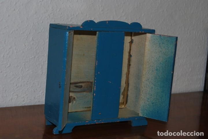 Juguetes antiguos: ARMARIO DE MADERA DE DENIA - MUÑECAS - AÑOS 40 - Foto 11 - 207715132