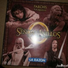 Juguetes antiguos: TABLERO Y CAJA PACHIS EL SEÑOR DE LOS ANILLOS NUEVO. Lote 210634275