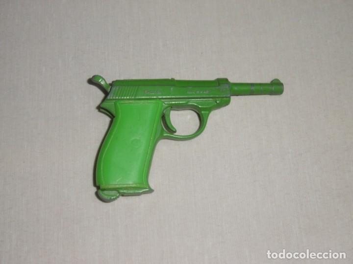 Juguetes antiguos: Pistola Redondo Oficcial Police en Verde. Muy rara. Mecanismo OK. - Foto 2 - 213588088
