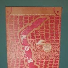 Juguetes antiguos: GRAN SAXOFON DE LA MARCA REIG EN SU CAJA Y PARTITURAS ORIGINALES AÑOS 60 EN MUY BUEN ESTADO. Lote 218581186