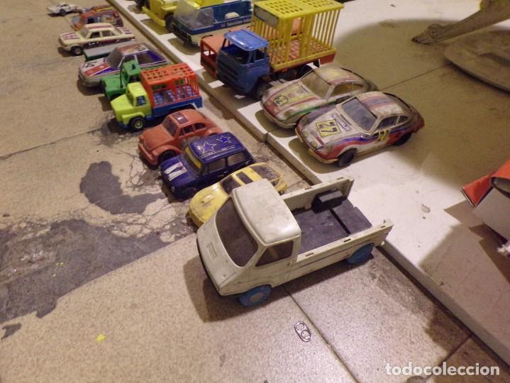 Juguetes antiguos: lote numero 5 coche camion tipo rico gozan y otros desguace - Foto 5 - 221570268