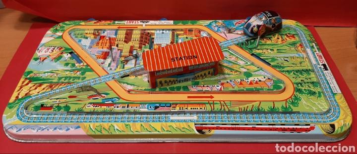 Juguetes antiguos: Overland traffic game. Locomotora-taxi a cuerda. Años 60. Funciona correctamente. - Foto 2 - 47441662