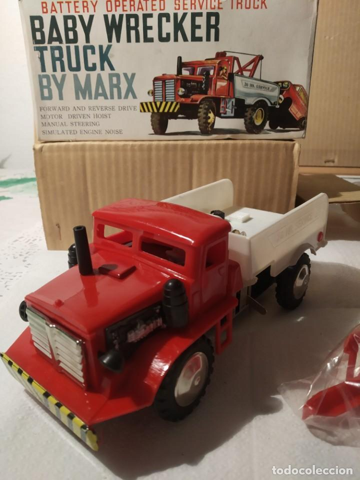 Juguetes antiguos: Baby wrecker truck/ años 60 Marx Truck battery operated - Foto 6 - 227918710