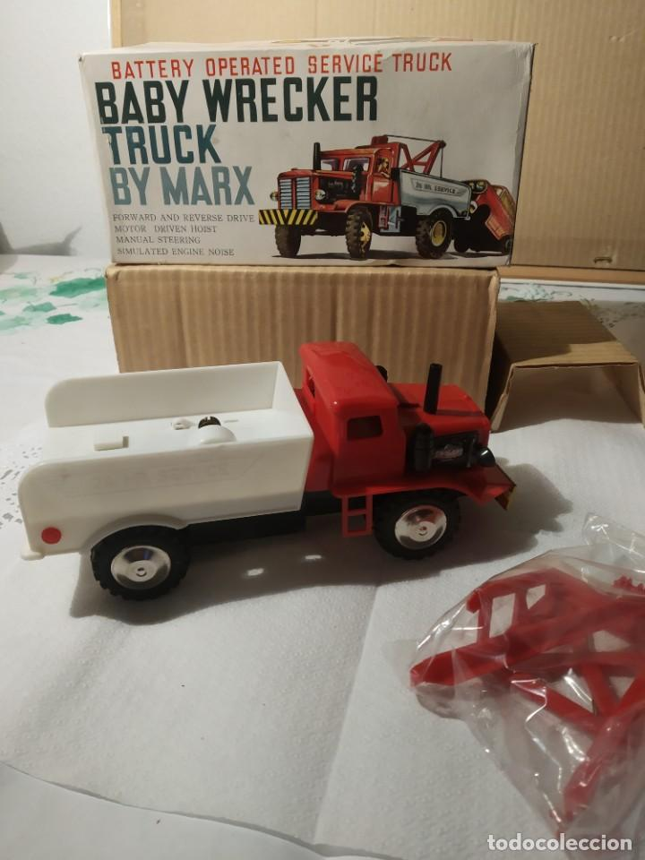 Juguetes antiguos: Baby wrecker truck/ años 60 Marx Truck battery operated - Foto 11 - 227918710