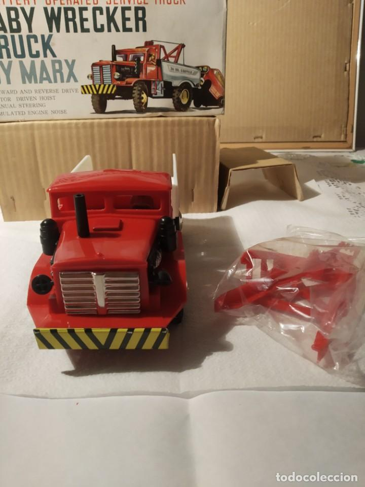 Juguetes antiguos: Baby wrecker truck/ años 60 Marx Truck battery operated - Foto 12 - 227918710