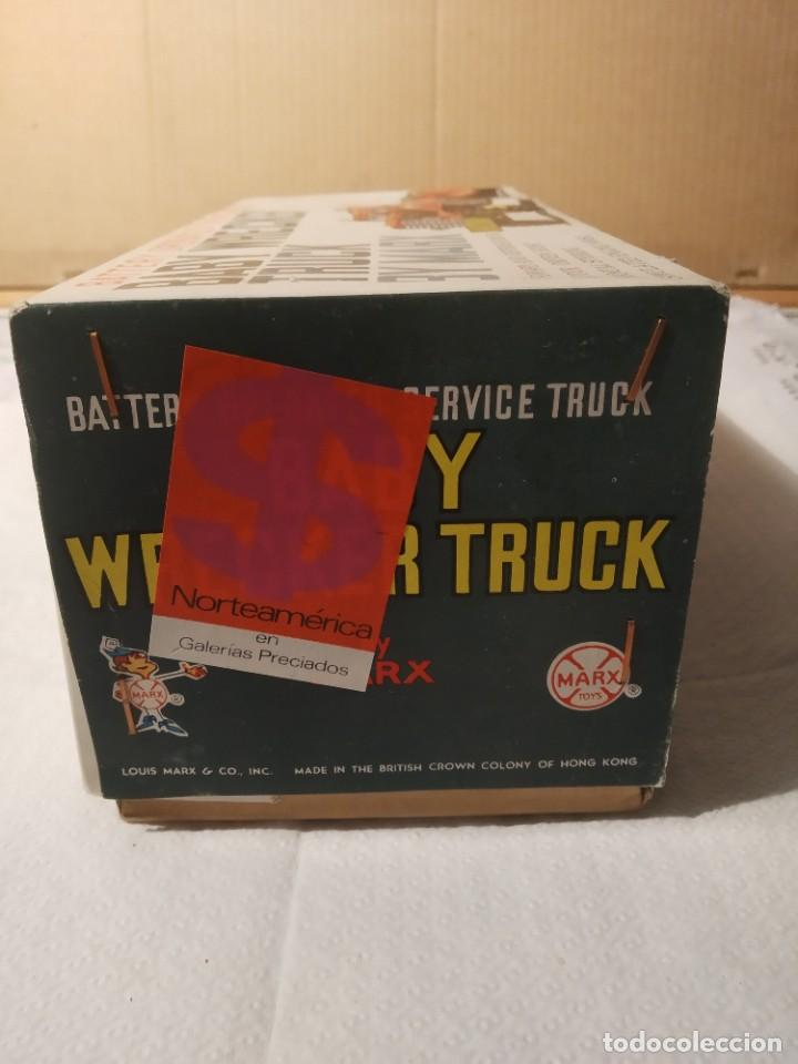 Juguetes antiguos: Baby wrecker truck/ años 60 Marx Truck battery operated - Foto 16 - 227918710
