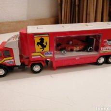 Brinquedos antigos: GUISVAL MERCEDES UNIMOG ESCUDERÍA FERRARI FÓRMULA 1. Lote 229084350