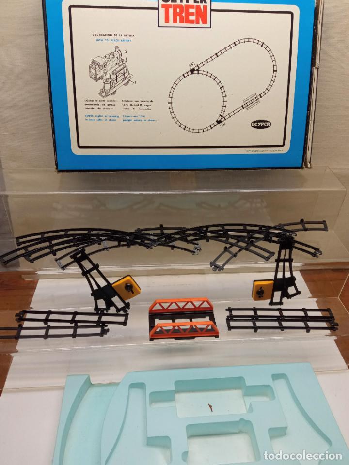 Juguetes antiguos: Geyper Tren 5134 . Electrico Tamaño caja grande accesorios vias etc - sin tren ni vagones - Foto 2 - 232507420