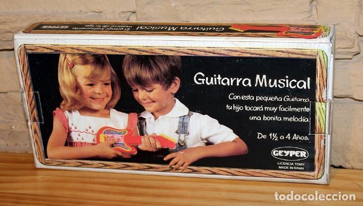 Juguetes antiguos: ANTIGUA GUITARRA MUSICAL, DE GEYPER - NUEVA Y EN SU CAJA ORIGINAL - AÑOS 80 - REF. 1540 - Foto 2 - 233199130