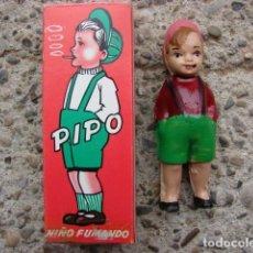 Giocattoli antichi: PIPO - NIÑO FUMADOR COMPLETO CON SU BOLSA DE CIGARRILLOS.. Lote 233368975