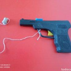 Brinquedos antigos: PISTOLA AGENTE ESPECIAL F.B.I. (13 CM) LANZA CORCHO.BULLYCAN 70S.SIN USO.. Lote 243239950
