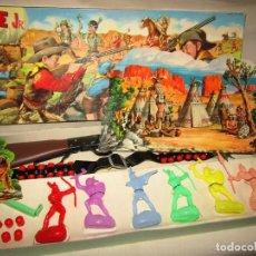 Giocattoli antichi: ANTIGUA CAJA DEL OESTE WINCHESTER 64 DE JUGUETES JEFE - J. SALUDES DE VALENCIA - AÑO 1970S.. Lote 244196710