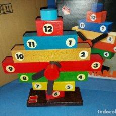 Juguetes antiguos: RELOJ DESMONTABLE DE MADERA - GOULA- REF.: 228. Lote 244739225