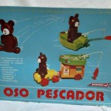 Juguetes antiguos: OSO PESCADOR (MARCA PACTRA). Lote 245105080