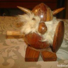 Juguetes antiguos: VIKINGO GOULA 8 CM LEER. Lote 245471800