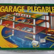 Juguetes antiguos: GARAGE PLEGABLE (MARCA RIMA) - AÑOS 80. Lote 245503255
