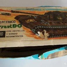 Juguetes antiguos: TANQUE ELECTRICO LEOPARDO, DE CLIM, REF 701, EN CAJA. CC. Lote 245535670