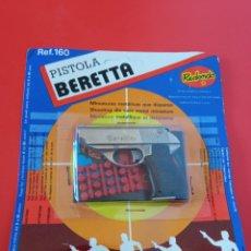 Brinquedos antigos: PISTOLA BERETTA (8 CM). MINIATURAS METÁLICAS REDONDO 70S.SIN ABRIR.. Lote 260278630