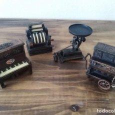 Juguetes antiguos: LOTE X 4 SACAPUNTAS PLAYME REF: 994 - ORGANILLO + PIANO BASCULA PESO BALANZA REGISTRADORA - AÑOS 80. Lote 261989140