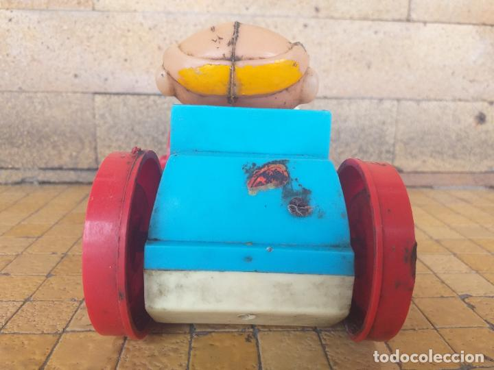 Juguetes antiguos: ANTIGUO COCHE DE JUGUETE CON MUÑECO PAYASO DE GOMA - MARCA: BOBBYS - FUNCIONA A PILA - Foto 6 - 263191490